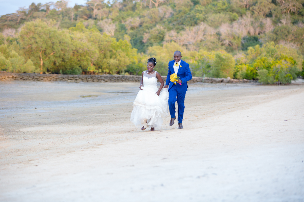 Faith & Kevin :: Mnarani Beach Mandharini Kilifi Wedding