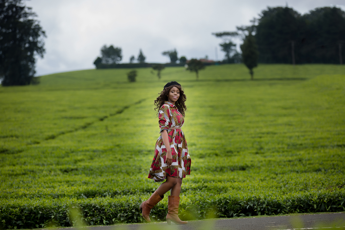 Sunshine Nyambura Nguma of Spiggy Productions at Kiambu Limuru Roadside Photo shoot