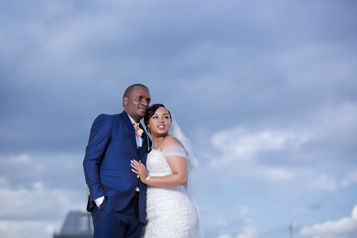 Schola & Duncan Crowne Plaza :: Waterfront Ngong Racecourse Wedding