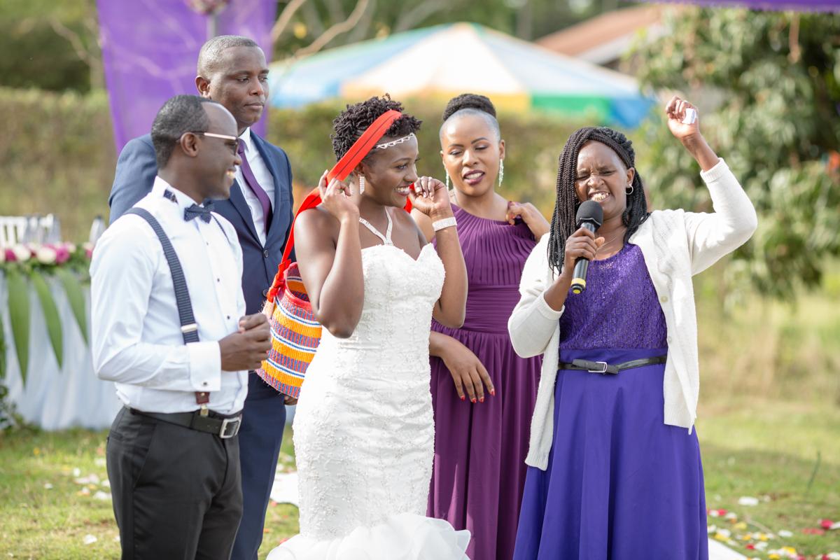 Catherine & Simon :: Safari Park Hotel & BTL Ruiru Wedding Photography