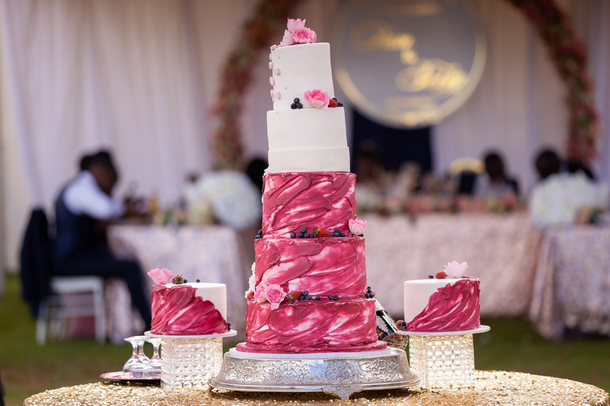 Cake :: Kenyan Top Best Destination Wedding Photographers