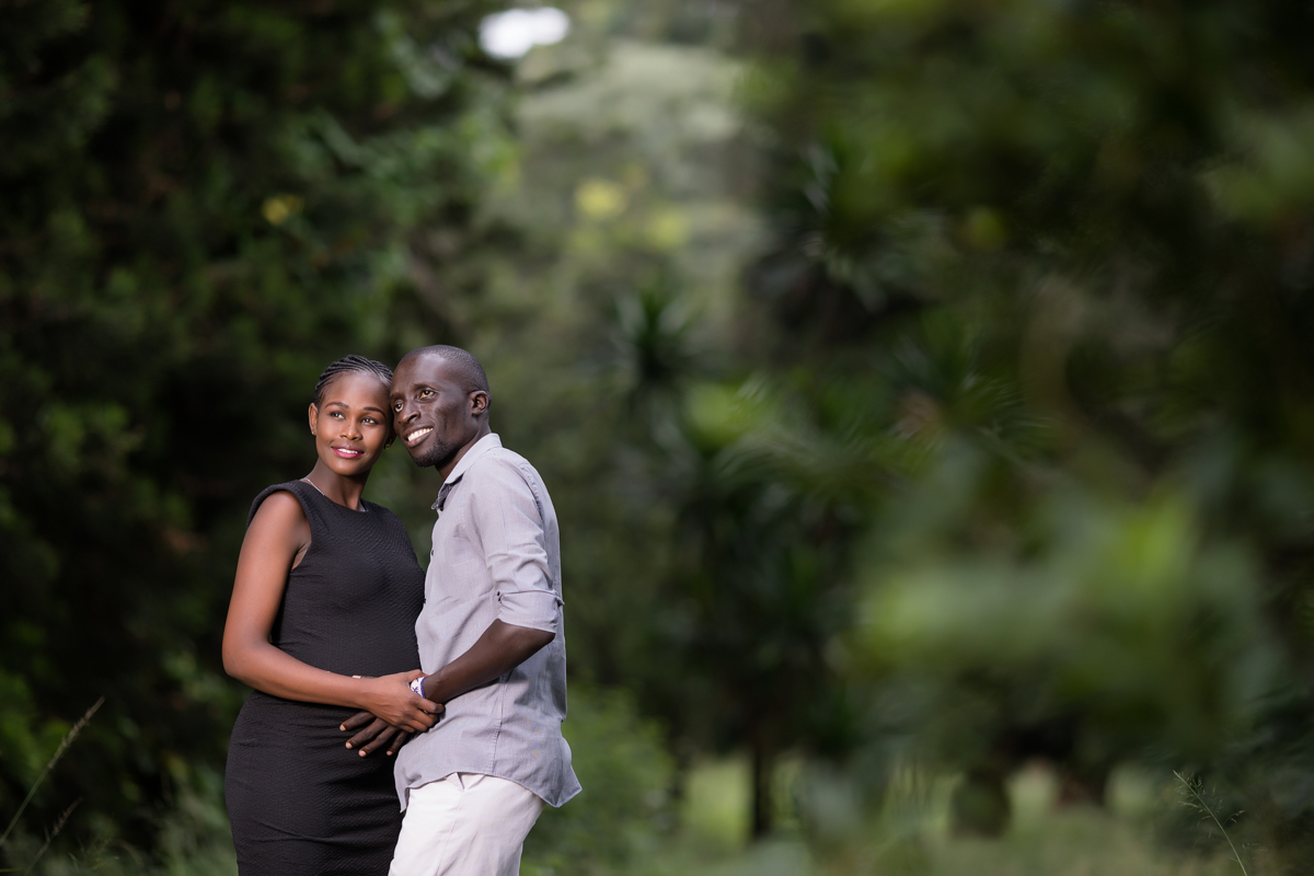 Baby Bump Lifestyle Portraits :: The Nairobi Arboretum Photography